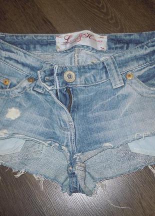 Секси джинсовые шорты с карманами