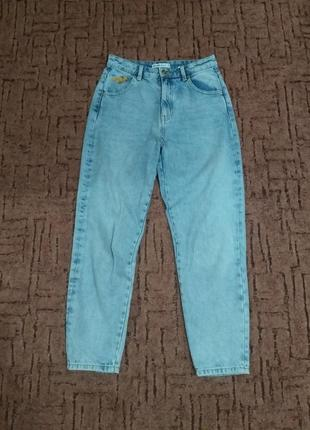 Трендовые джинсы мом denim