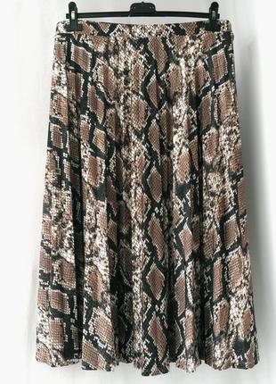 """Сток (без бирки). стильная юбка миди """"f&f"""" со змеиным принтом. размер uk18/ eur46."""