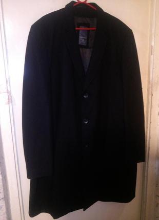 Шикарное,шерстяное,классическое,(бойфренд) чёрное пальто,большого размера,сост.нового,c&a