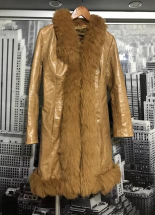 Кожаное пальто с мехом ламы