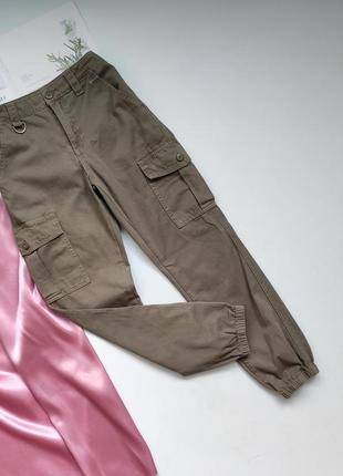 Штанці карго c&a з накладними карманами та резинками знизу ❤