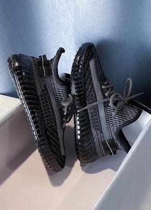 Стильные кросовки. светящиеся шнурки. маломерят