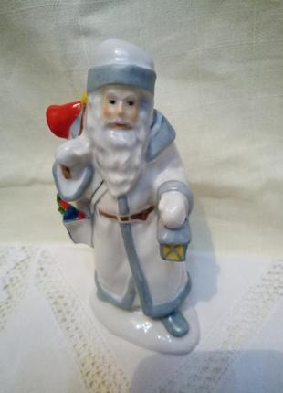 Фарфоровый дед мороз