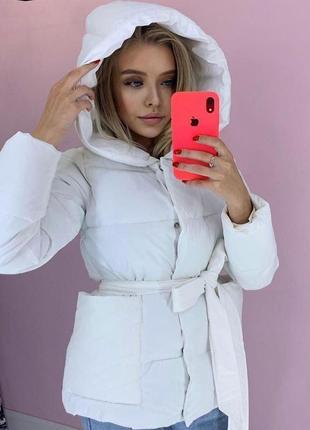 Дуже красива зручна тепла куртка з капюшоном на силиконі
