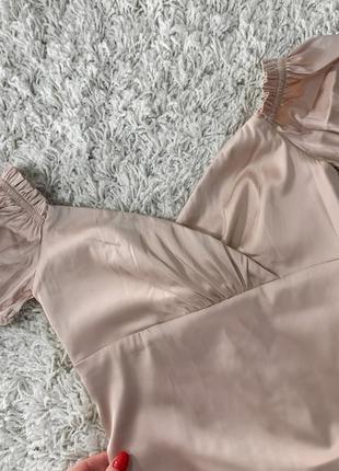Новое атласное сатиновое нежное платье с открытыми плечами oh polly