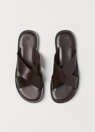 Брендовые мужские кожаные коричневые шлепанцы h&m. размер 42. оригинал
