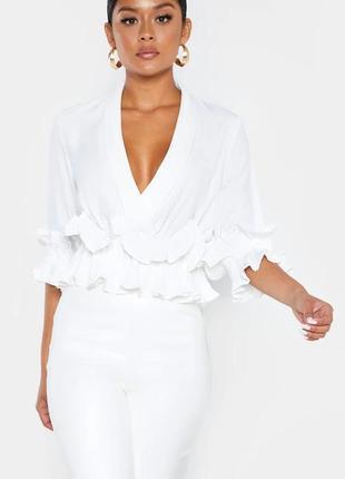Блуза с рюшами prettylittlething