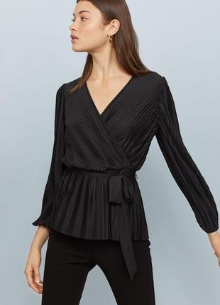 Блуза с декольте гафре плиссе топ на запах h&m