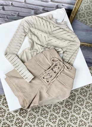 Бомбезные вельветовые шорты со шнуровкой