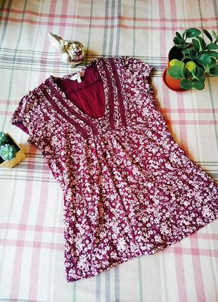 Красивая футболка трикотажна блуза