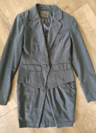 Базовый костюм юбка + пиджак