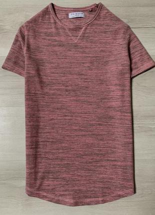 Яскрава футболка від primark
