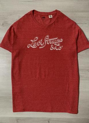 Яскрава,оригінальна футболка від levi's