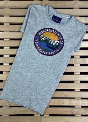 Очень красивая мужская футболка abercrombie & fitch размер м