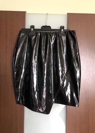 Виниловая чёрная мини юбка