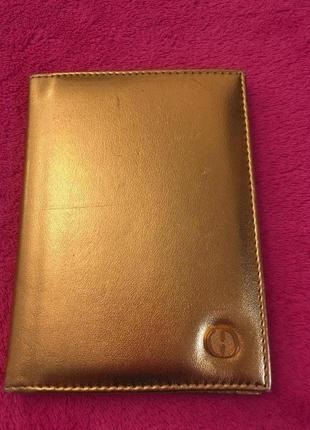 Обложка на паспорт золотая