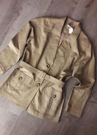 Бежевый льняной удлиненный  пиджак  с поясом блейзер жакет