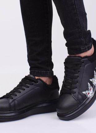 Стильные черные зимние кроссовки кеды криперы на меху платформе