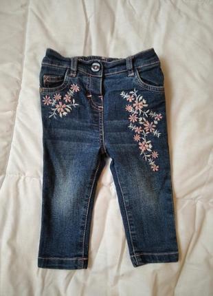Джинсы для девочки с вышивкой