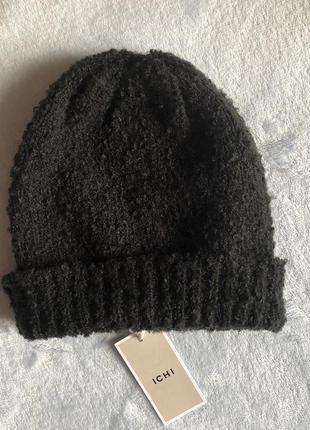 Нова шапка шапочка