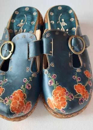 Взуття жіноче глоги
