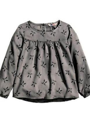 Легкая блузка с мордочками кроликов