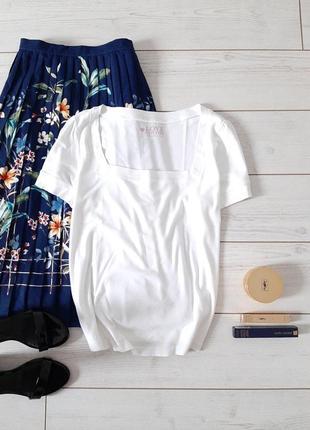 Базовая чудесная белоснежная футболка хлопок