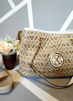 Невероятная ручная плетенная сумка с короткими ручками christian lacroix