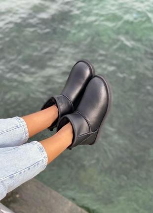 Мужские чёрные угги ugg mini leather black