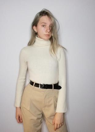 Шерстяной ангорковый тёплый свитер с горловиной. гольф водолазка белая кофта