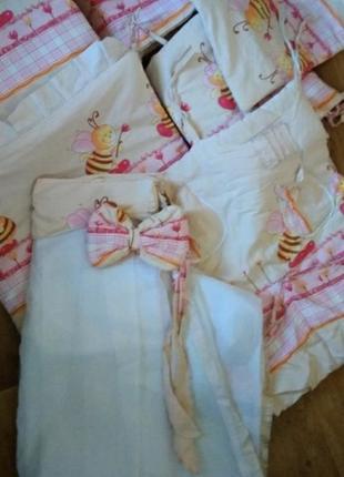 Постельное белье, балдахин,матрас на детскую кроватку.