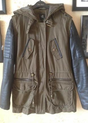 Парка/пальто с кожаными рукавами и глубоким капюшоном reserved