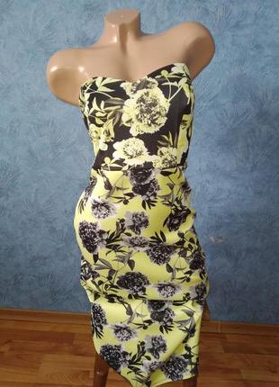 Шикарное бандажное платье бюстье по фигуре миди в цветах
