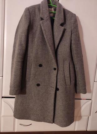 Пальто сіре