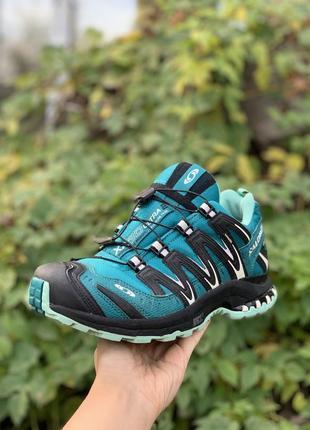 Трекинговые кроссовки для походов 38р