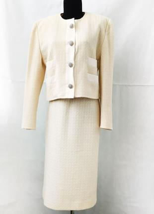 Винтажный, красивый, нежный шерстяной костюм в стиле chanel, , швейцария