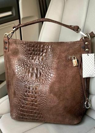 Красивая шикарная стильная сумка женская замшевая мешок мягкая под рептилию коричневая