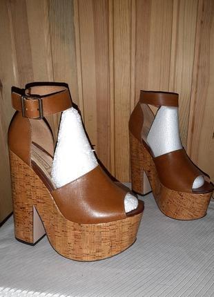 Коричневые кожаные босоножки на высоких каблуке подошве для стриппластики и пилатеса