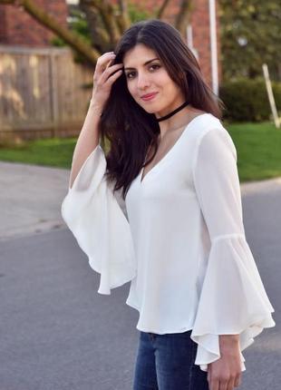 Скидка сегодня! белая блузка, шикарные рукава, открытая спинка