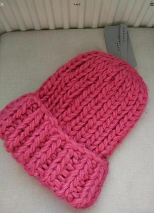 Розовая шапка zara