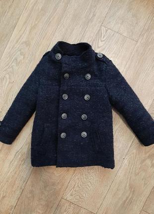 Шикарное шерстяное пальто прямого кроя от zara