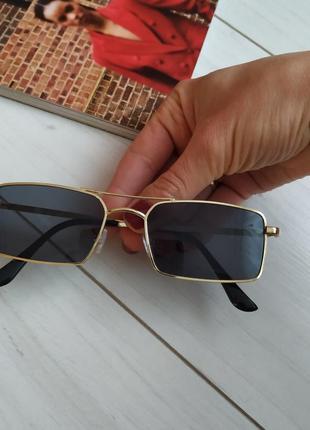 Очки солнцезащитные, узкие прямоугольные очки