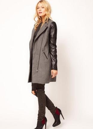 Стильная курточка косуха удлинённая.