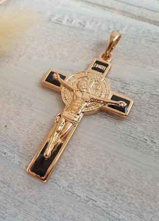 Позолоченный крестик унисекс. крестик xuping, позолота 18к. медицинское золото
