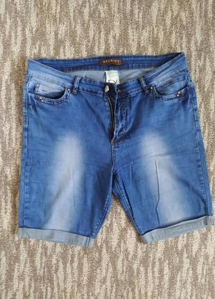 Женские джинсовые шорты 33 р.