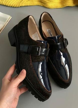 Новые бомбезные натуральные кожаные лоферы clarks (туфли, оксфорды, броги, дерби)