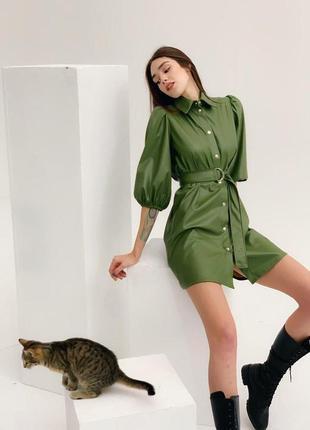 Стильное платье из эко-кожи с рукавами-фонариками2 фото