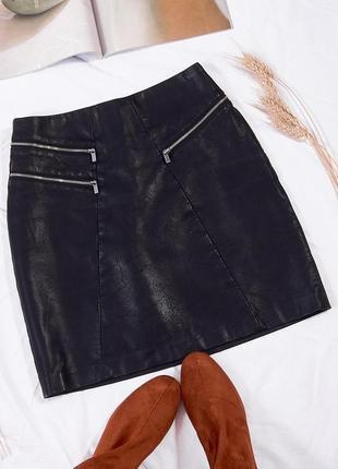 Черная кожаная юбка короткая
