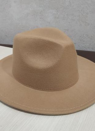 Шляпа федора, фетровая шляпа.